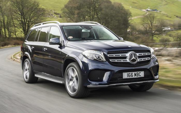 На некоторых кроссоверах Mercedes-Benz GLS 2018 года возможны проблемы с задними тормозами. | Фото: autocar.co.uk.
