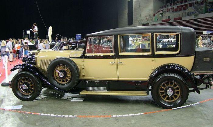 Лимузин Mercedes-Benz 24/100/140 PS – представительский автомобиль 1927 года выпуска. | Фото: ru.wikipedia.org.