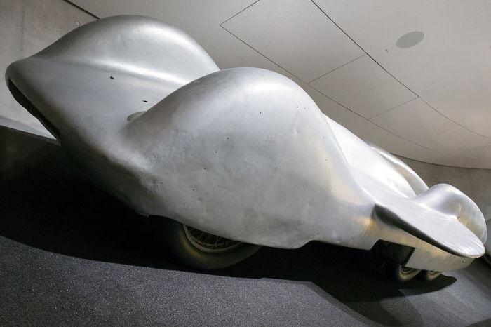 Mercedes-Benz T80 мало похож на обычные автомобили. | Фото: ru.wikipedia.org.