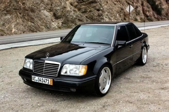 Mercedes-Benz W124 E500 - просто замечательный автомобиль.