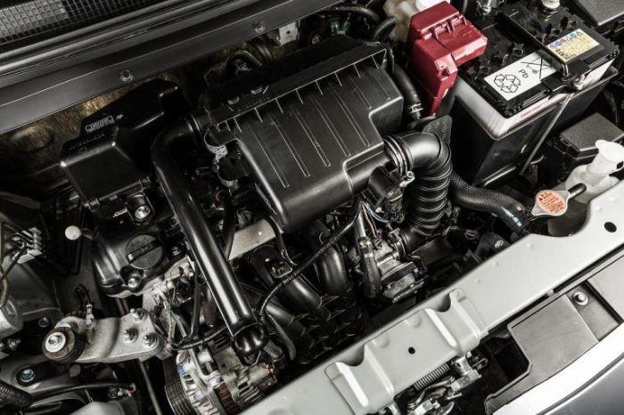 3-цилиндровый двигатель Mitsubishi Mirage ES 2015 года.