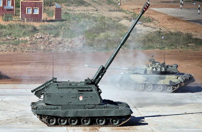 Самоходная дивизионная гаубица 2С19 «Мста-С» калибра 152 мм состоит на вооружении в России, Украине, Белоруссии, Азербайджане и в армиях других стран.