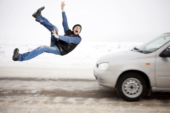 Пешеходы тоже не прочь развести автомобилистов. | Фото: autocentre.ua.