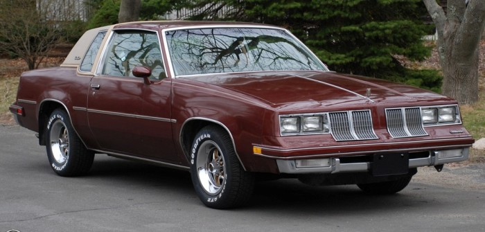 Oldsmobile Cutlass Supreme 1982 года.