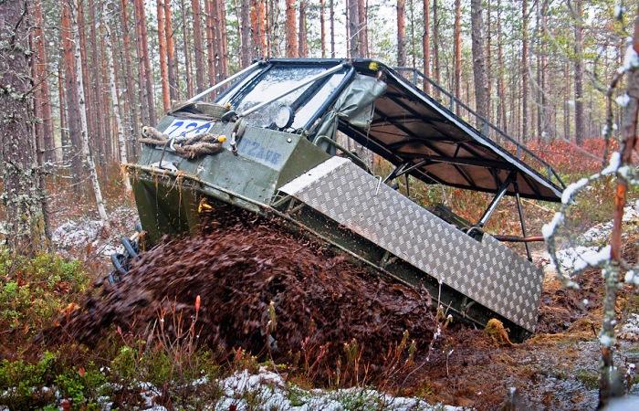 PTZavr преодолевает канаву. | Фото: drive2.ru.