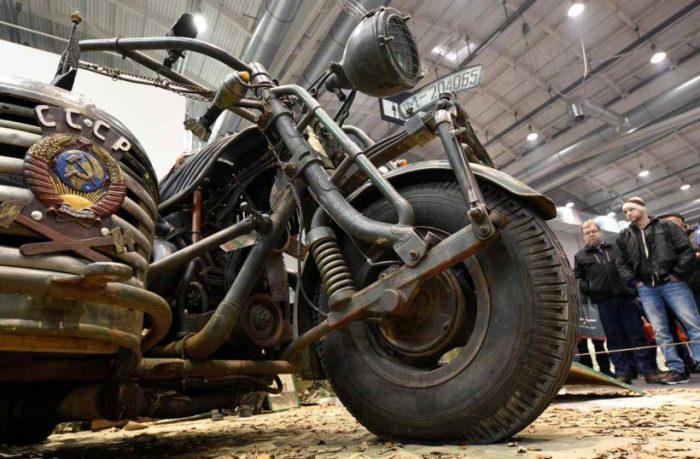Немецкий самодельный мотоцикл-танк.