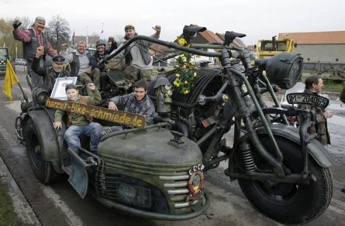 Сфотографироваться на Panzerbike - мечта каждого немецкого мальчишки.