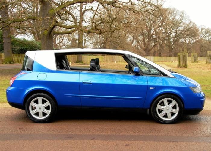 Трехдверный минивэн Renault Avantime – автомобиль, который привлекает внимание на дороге. | Фото: historics.co.uk.