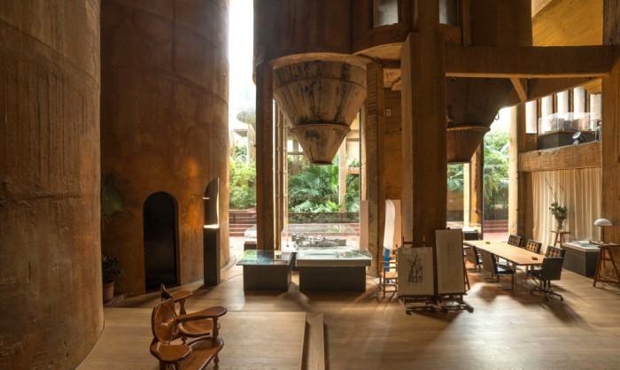 Интерьер жилого комплекса архитектора Рикардо Бофилла.