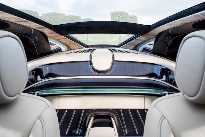 Задняя часть салона Rolls-Royce Sweptail.