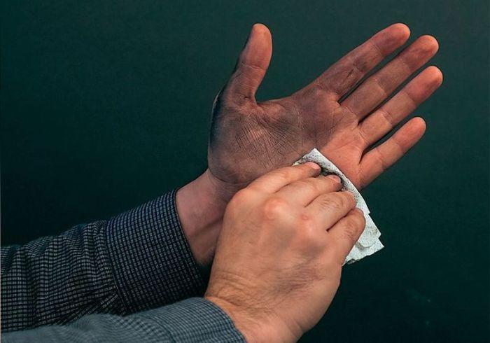 Когда нужно вытереть руки. | Фото: zr.ru.