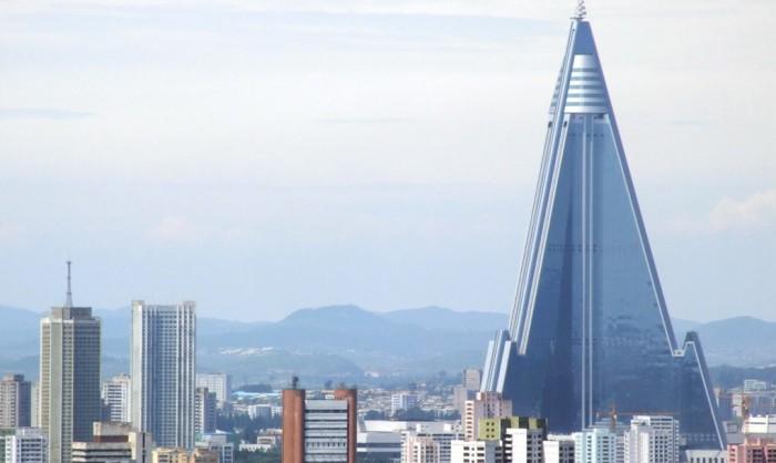 105-этажное здание возвышается над Пхеньяном.