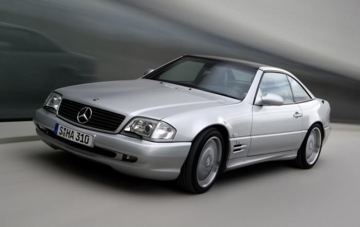 Двухместный Mercedes-Benz SL73 AMG.