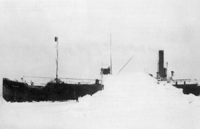 SS Baychimo, застрявший во льдах у побережья Аляски, 1931 год. | Фото: upload.wikimedia.org.
