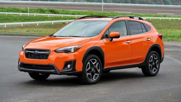 Второе поколение Subaru Crosstrek внешне мало отличается от предыдущей модели. | Фото: autotrader.ca.