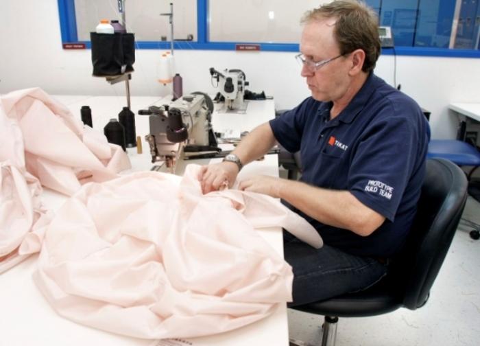 Изготовление подушек безопасности Takata.