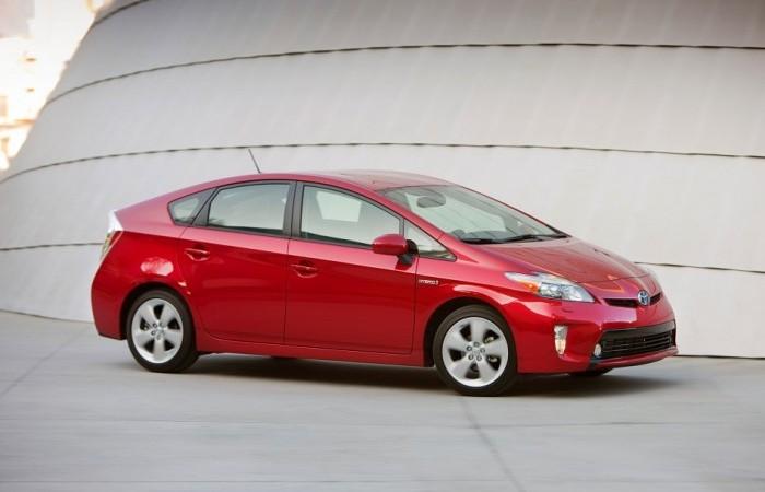 Toyota Prius – первый в мире серийный гибридный автомобиль.