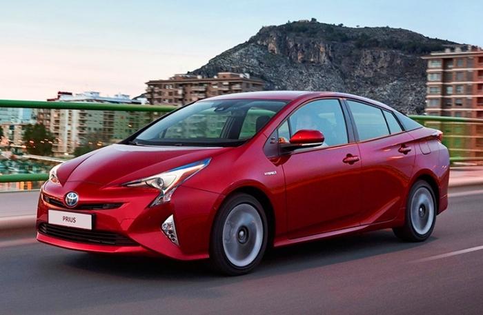 Как показала практика, Toyota Prius – далеко не самый экономичный автомобиль. | Фото: novokuznetsk.autovsalone.ru.