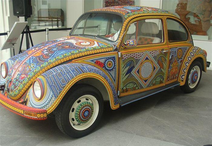 Volkswagen Beetle в музее популярного искусства в Мехико. | Фото: en.wikipedia.org.