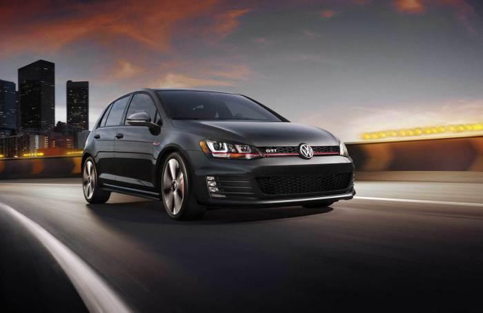 2,0-литровый турбомотор на 220 л.с. делает Volkswagen Golf GTI очень «горячим».