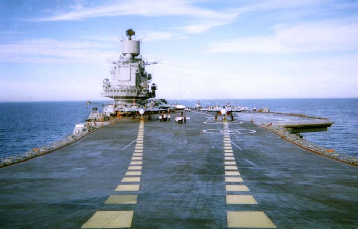 Верхняя палуба ТАВКР «Адмирал Флота Советского Союза Кузнецов».