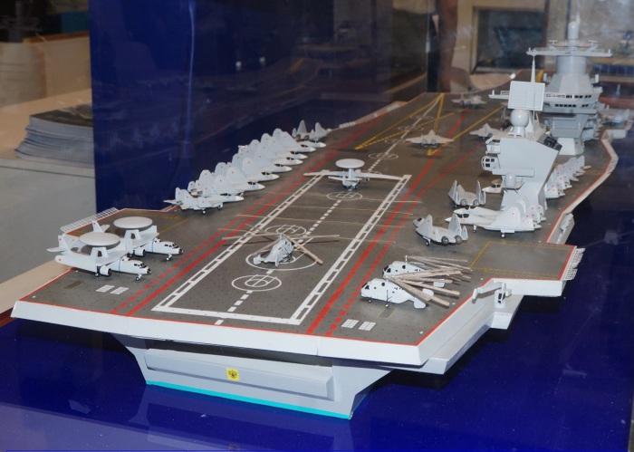 Макет перспективного российского авианосца проекта 23000 «Шторм».