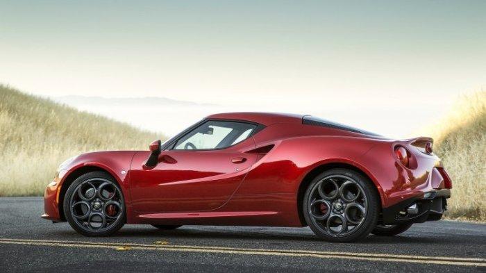 Alfa Romeo 4C – элегантный и быстрый итальянский спорткар.
