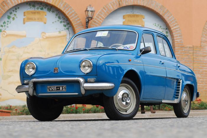 Alfa Romeo Dauphine – лицензионная копия французского седана Renault Dauphine.