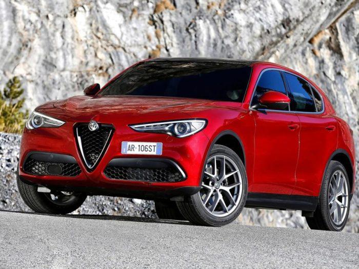 Итальянский кроссовер Alfa Romeo Stelvio. | Фото: sayidy.net.