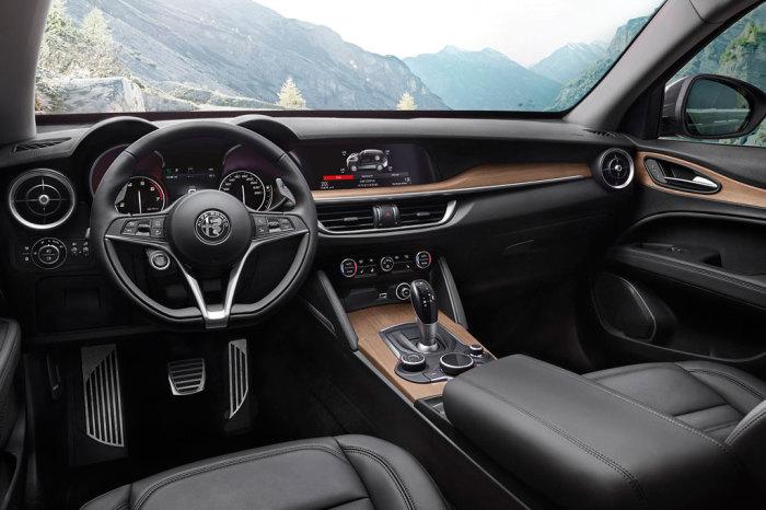 Изысканный дизайн салона итальянского кроссовера Alfa Romeo Stelvio. | Фото: allcarz.ru.