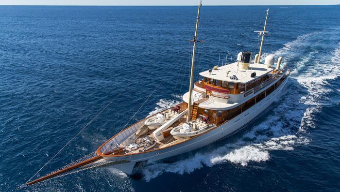 Парусно-винтовая яхта Amphitrite.