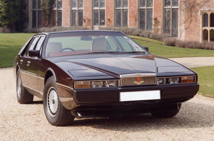 Прямые линии дизайна Aston Martin Lagonda неоднократно подвергались критике. | Фото: autocar.co.uk.