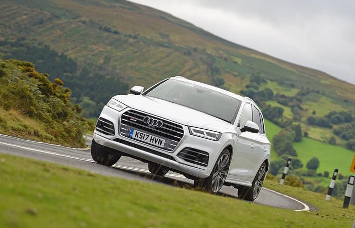 Audi Q5 второго поколения выпускают с 2017 года. | Фото: autocar.co.uk.
