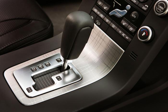 Автоматическая КПП – это не только удобно, но и дорого в случае ремонта. | Фото: autonews.ua.