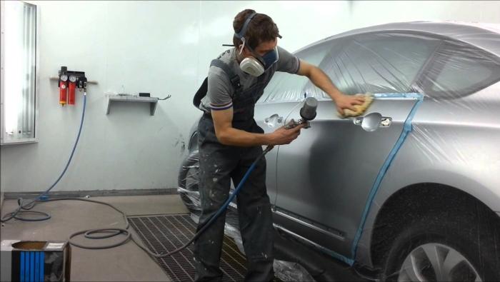 Работа профессионального автомаляра будет долго радовать водителя. | Фото: dyvosvit.net.