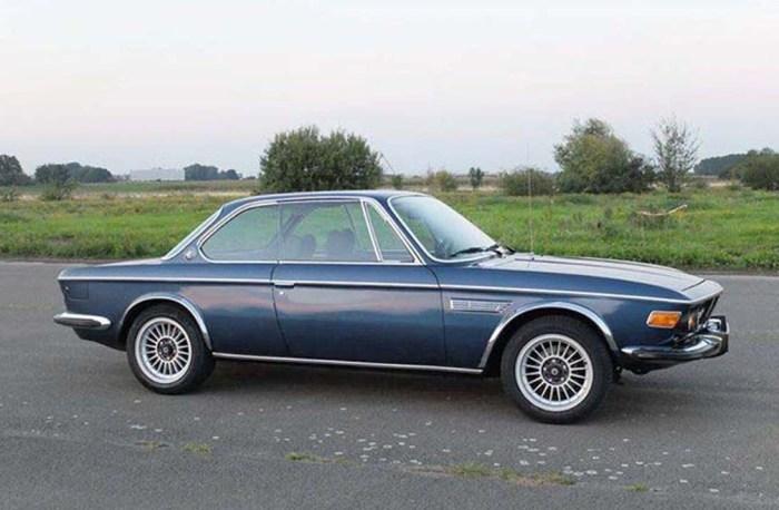 На спортивном купе BMW 3.0 CS 1975 года и вовсе не было правого зеркала. | Фото: photo-voiture.motorlegend.com.