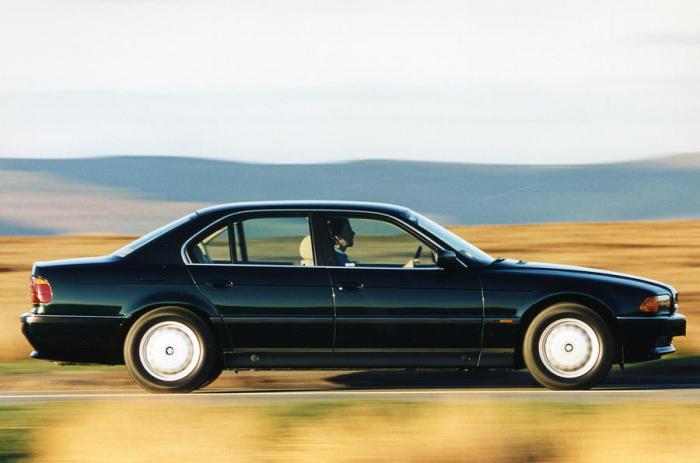 BMW 7-Series Е38 - популярный автомобиль представительского класса.