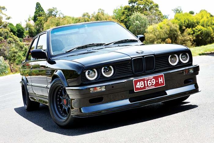 Знаменитые фары BMW 3-й серии Е30, выпускавшейся с 1982 по 1994 гг. | Фото: tradeuniquecars.com.au.