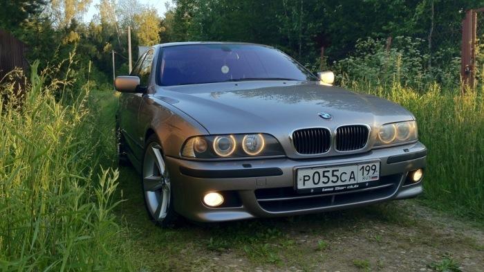 Мечта многих российских подростков - BMW E39. | Фото: drive2.ru.