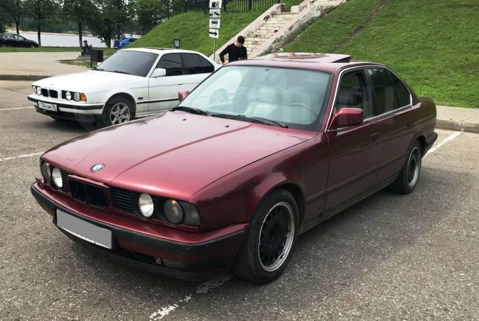 Если намеренно не убивать BMW, как это делают многие водители, то баварская машина выпуска 90-х годов служит очень долго. | Фото: kostroma.drom.ru.
