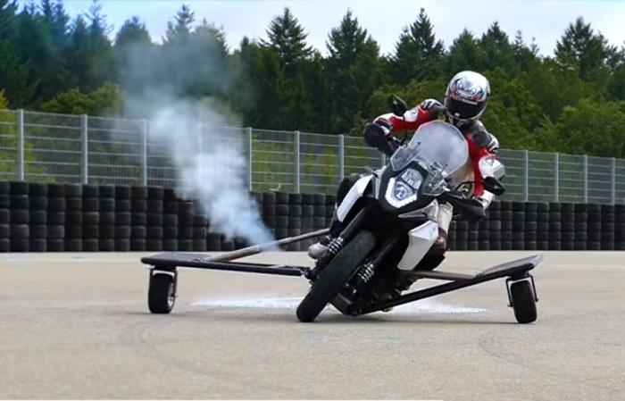 Испытания экспериментальной системы от Bosch. | Фото: youtube.com.