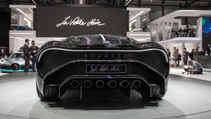 Bugatti La Voiture Noire выглядит очень агрессивно со всех сторон. | Фото: cnet.com.