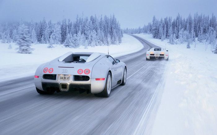 Водители Bugatti также вынуждены думать о расходе бензина. | Фото: widefon.com.