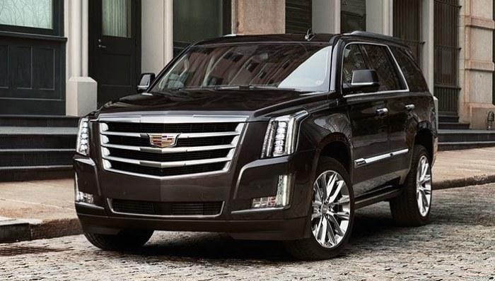 Огромный американский внедорожник Cadillac Escalade 2018 года. | Фото: cheatsheet.com.