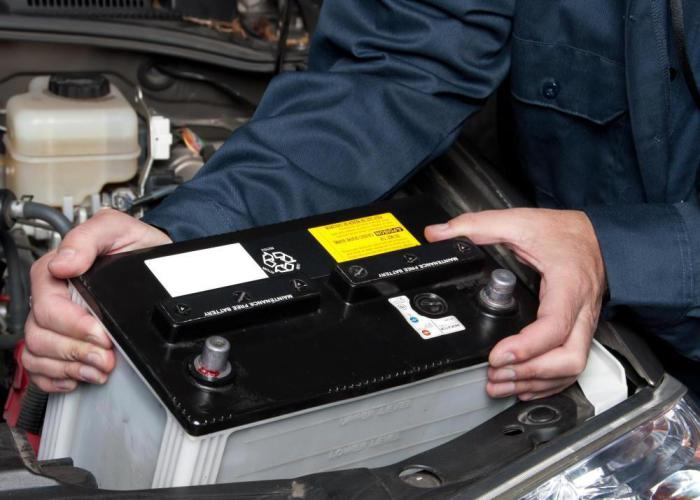 Зимой автомобильный аккумулятор требует особого внимания.