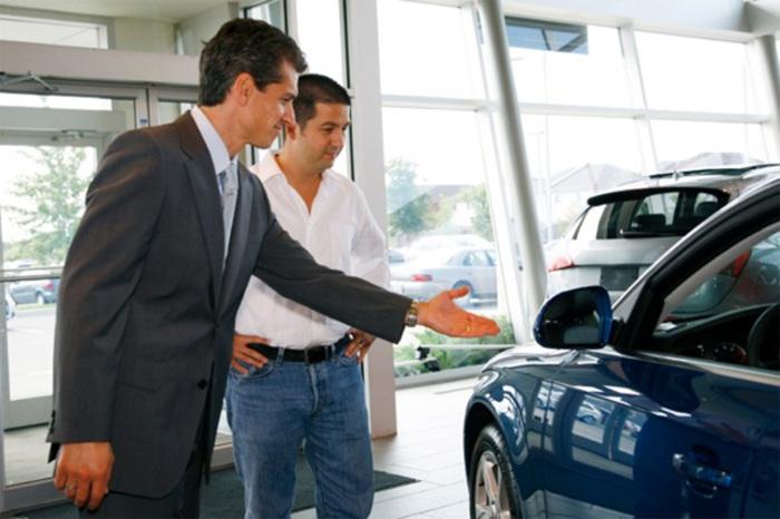 Предложение новой машины в автосалоне. | Фото: ansonmotor.com.
