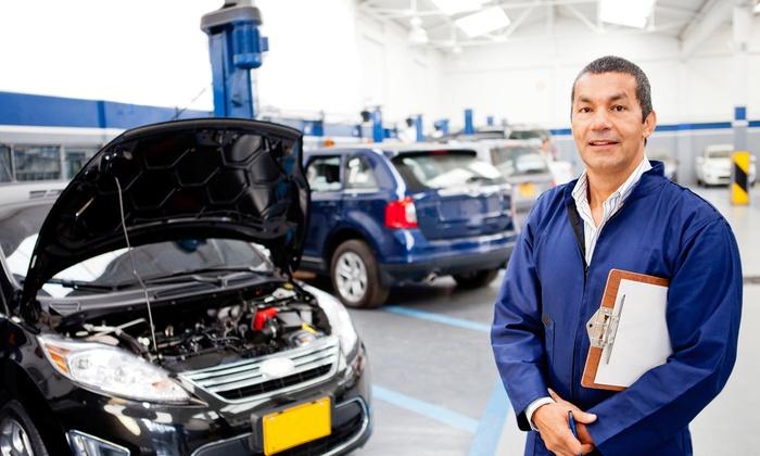 Автосалоны предлагают дополнительную гарантию на случай поломки. | Фото: groupon.com.