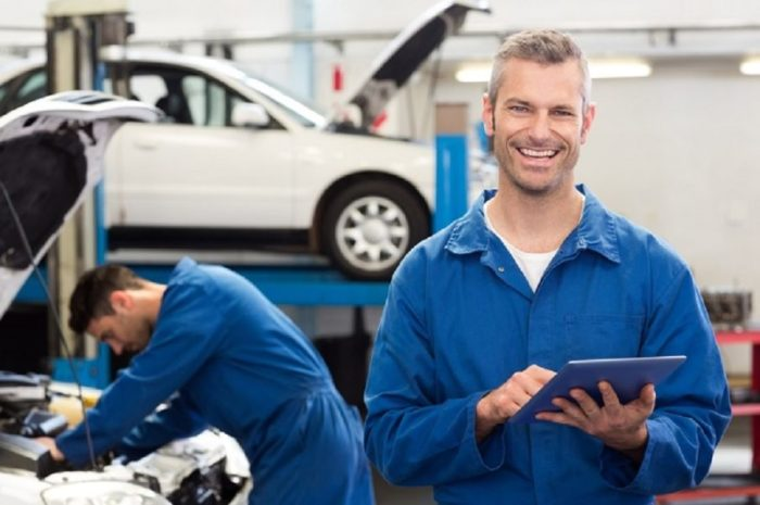 Водитель никогда не узнает, хочет ли автомеханик помочь или просто «разводит» на деньги. | Фото: readcars.co.