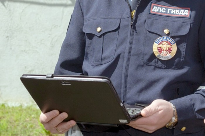 Согласно новой реформе, грядет повальная компьютеризация сотрудников ГИБДД. | Фото: moymotor.ru.
