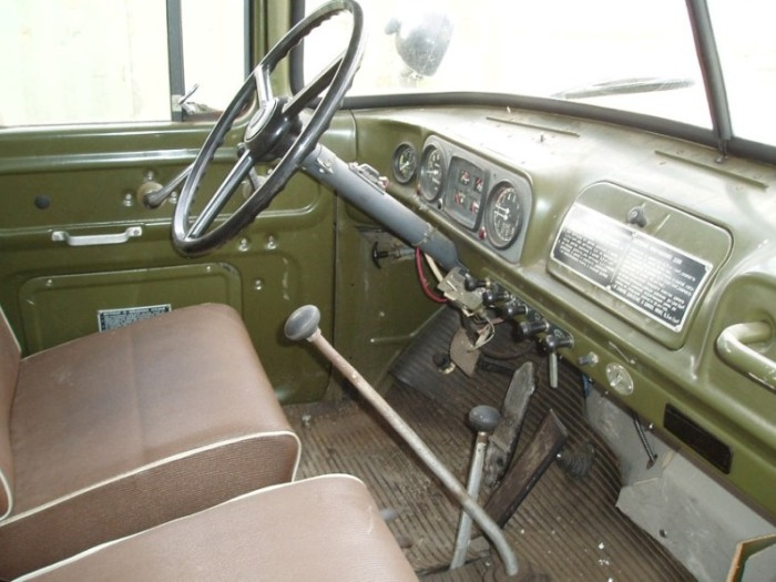 Водители грузовика ЗиЛ-130 могут подробно рассказать, как в летние дни кабина становится камерой пыток. | Фото: tuningkod.ru.